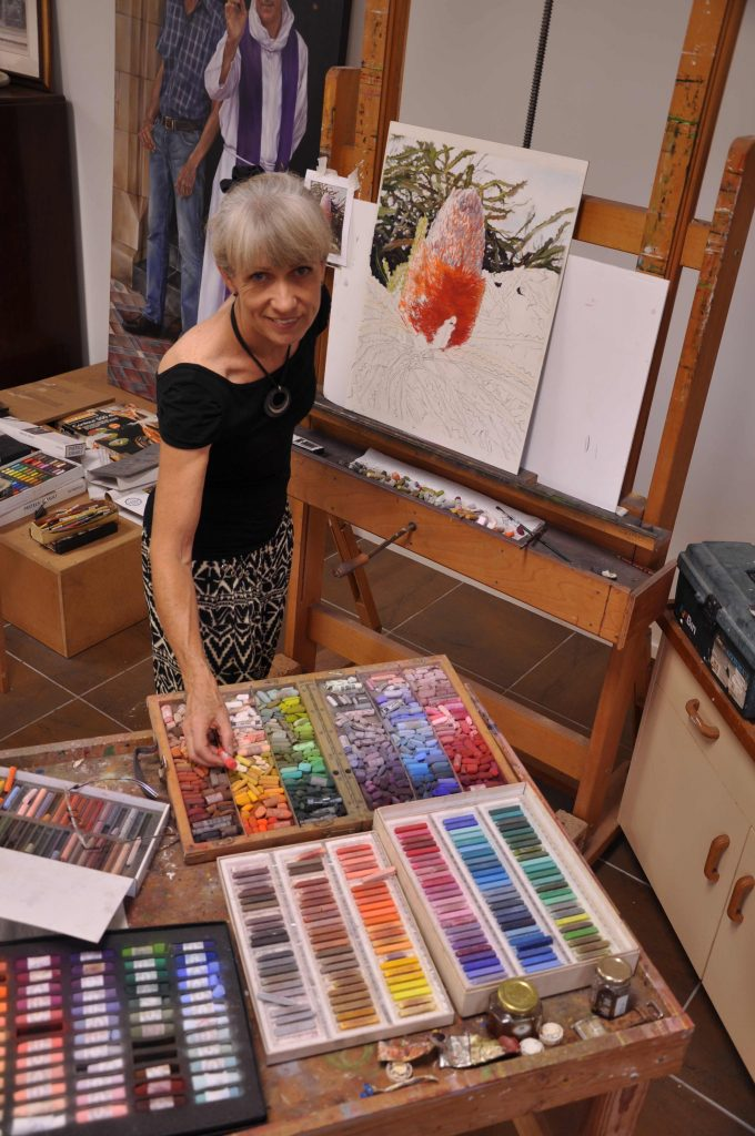 Lyn-Diefenbach-in-Studio